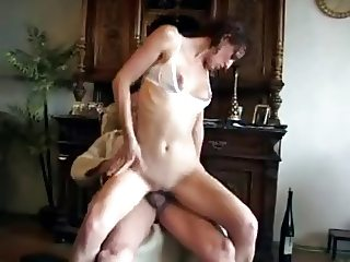 YOUNG GIRL FUCK'S GRANDPA