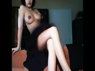 Beautiful webcam girl HOT_NY_BEAUTY playing completely nude