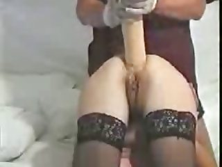 SDRUWS2 - ANAL INSERTIONS BIG DILDO IN GIRLFRIEND 'S ASS