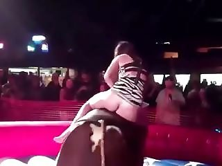 Bullriding with hot ass