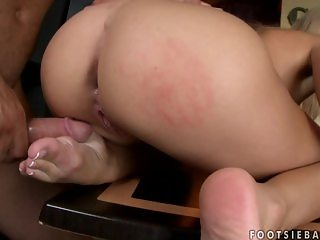 Mandy Dee footjob