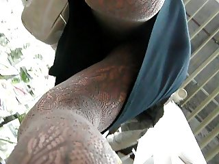 upskirt milf with lacy pantyhose