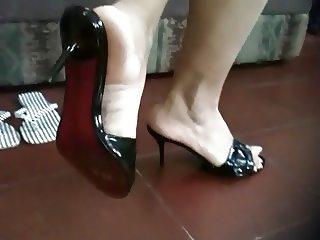 Sexy latina feet 3