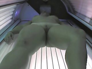 Voyeur nude girl in Ostrava solarium FULL visit Part 001