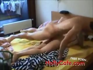 Amateur screaming babe fucked on real homemade