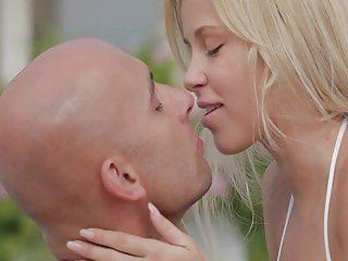 Blondy babe's sensual sex