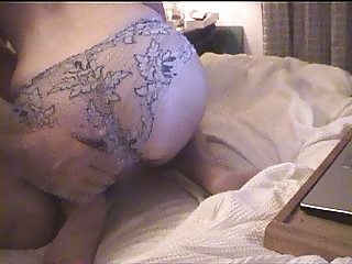 Curvy ass in lace