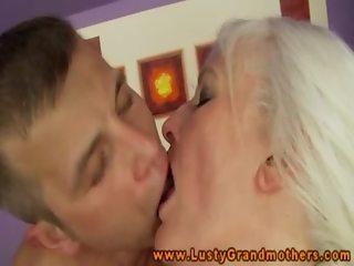 Amateur mature grandmother gives rimjob
