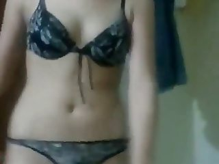 Hot n Sexy Pakistani wife's Private Mujra - Semi Nude dance