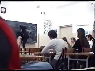 Nackt im Klassenzimmer - Nude in the Classroom