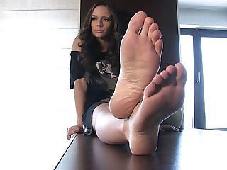 Hot feet model Alexia 4
