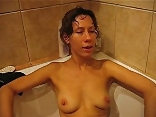 Polish wife Joanna water orgasm