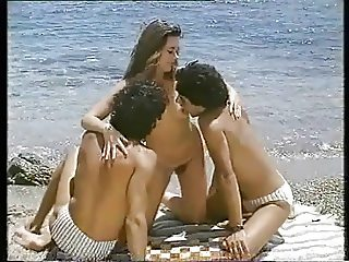 Heisse Semesterferien (1985)(Threesome erotic scene) MFM