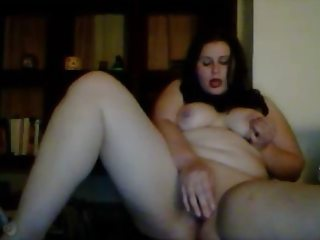 Amateur military bbw bitch fucks herself with dildo on camera