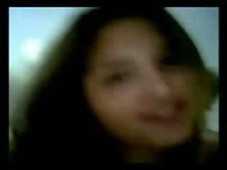 Argentina : pendejita de colegio secundario coge y se filma con compato