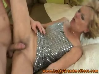 Lusty blonde granny amateur plowed on bed