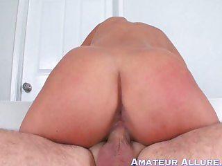 Scarlet opens wide at Amateur Allure