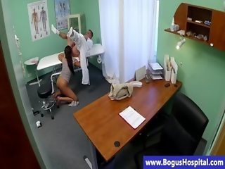Hot patient sucking her doctor before hardcore
