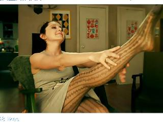 Valentina Rubcova legs