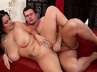 Reny Busty Natural Tits 1