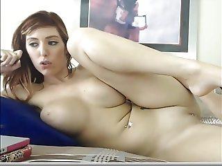 Hot redhead mastuerbating