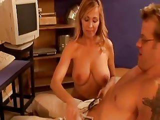 Housewife & Computer Boy