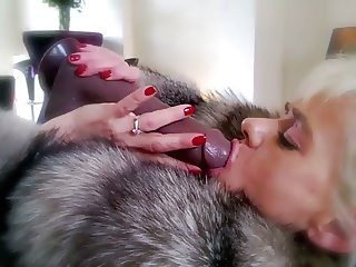 Vanessa in Furs & Boots 2014