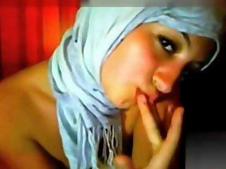 Amazing Hijab Maroc Girl xhardvideos.com