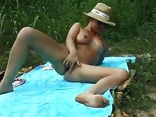 mature nympho represents