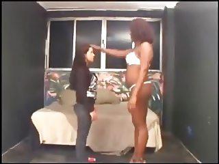 Big Black Nigras Huge Ebony Feet licked by Luso Brunette