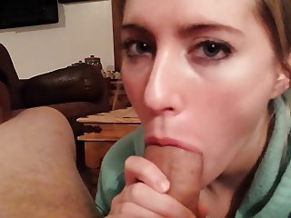 Deidra (DD) posing for Pics! Big Cock in her mouth!