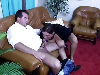 Brunette Amateur-BBW fucked by older Guy
