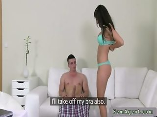 Amateur guy with big dick fucking female agent