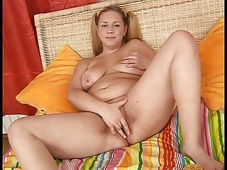 Young, pretty and plump Val