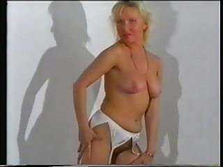 Swedish MILF Show