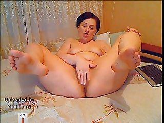 Sexy suckable toes