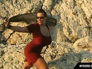 Aneta Buena huge natural tits on the wind