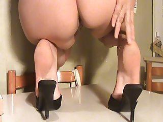 Feet mules sexy