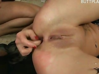 Horny girlfriend accidental creampie