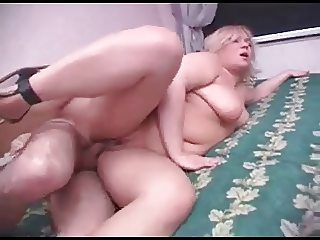 Plump blondy mom with wide hips & ass