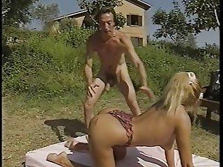 Leiter Laura(Laura Butt) anal scene