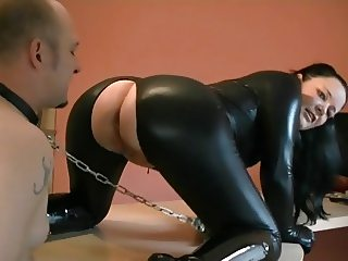 Mistress and her asscleaner