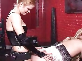 Blonde Mistress in Dungeon 1