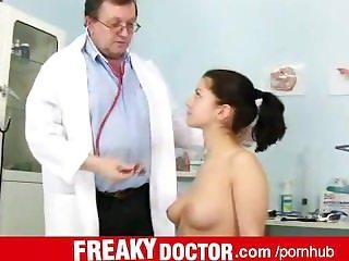 Elder gyno doctor fingering and spreading his patient Monika