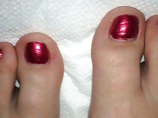 Cum on my wifes feet 2
