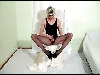 Pantyhose tranny cumshot - awesome orgasm