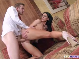 India Summer moans and squirts in delight while getting rammed by a bigdick