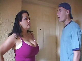 Housewife gets so naughty