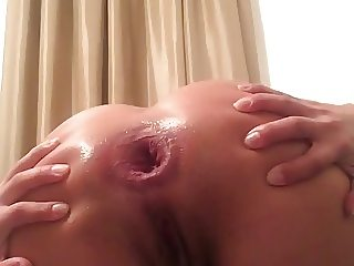 I'm a Good Girl - Anal Spreading