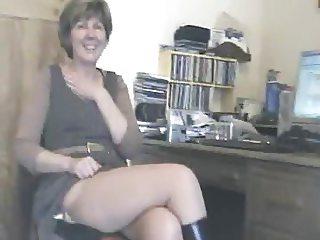 UK Sara, desk break!